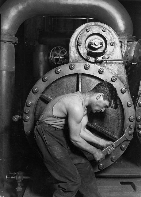 mechanic-63201_640